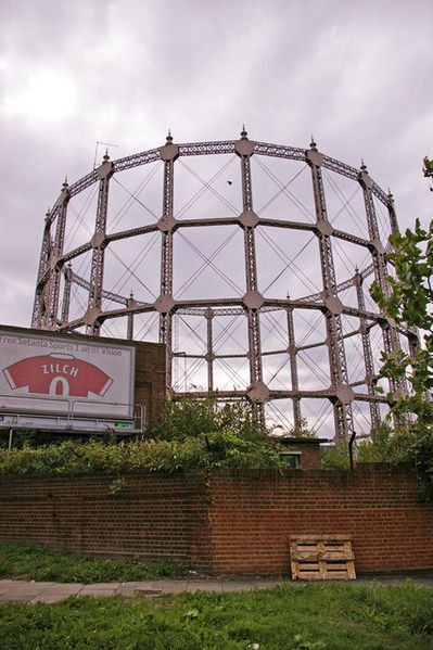 399px-gasometer_on_corner_north_circular_road_and_station_road_london_n11_-_geograph-org-uk_-_931158