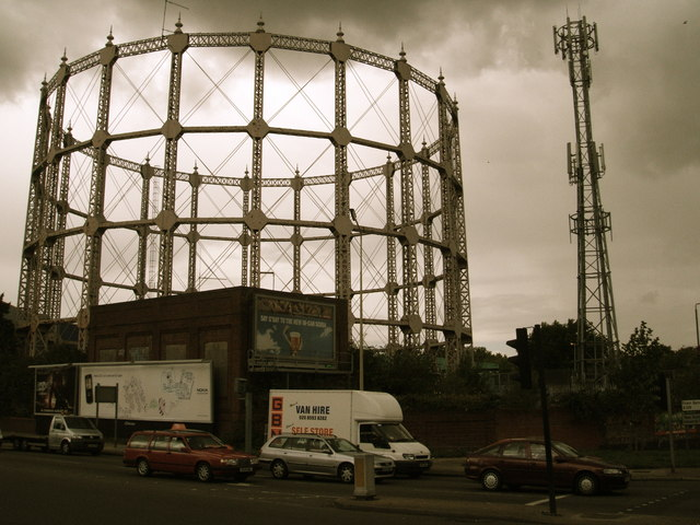 The Gas holder that isn't a Gas holder: Remembering Henderson's Door