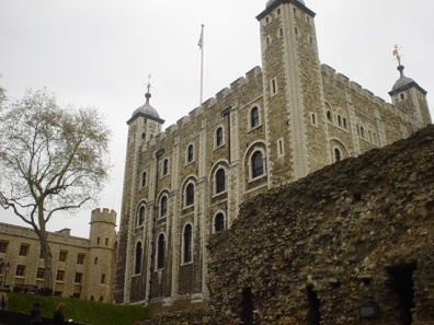 white_tower_of_london_05-06-2005