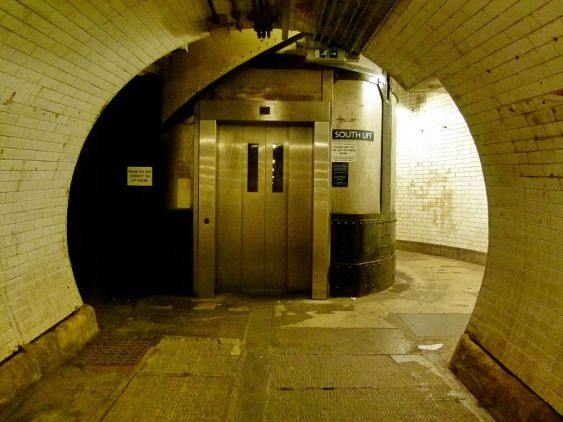 London,_Woolwich_foot_tunnel_06