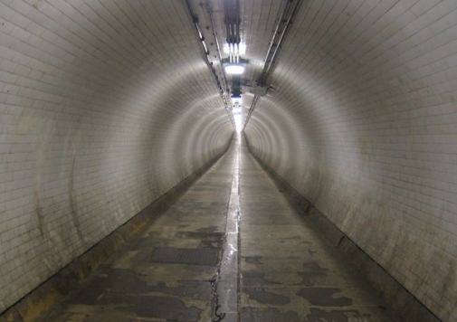 Woolwich_Foot_Tunnel_-_geograph.org.uk_-_398682